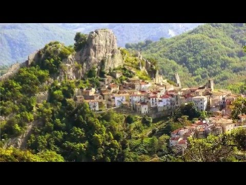 An authentic Italian village becomes an all-inclusive Resort - Video 1/2