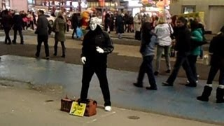 Living Statue Mime Artist, Times Square, NYC - Street Performer Trying to Make MONEY $$