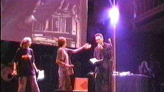 DC Lama fet De Moordgasten live in Paradiso 2004 fragment