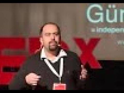Eğitimde Sınırları Aşmak: OSH Radyo | Onur Soğuk | TEDxGündoğduKoleji