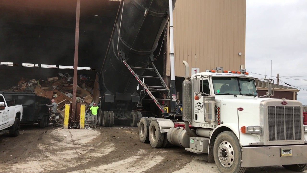 Awesome 100 Yard Demolition Dump Truck Dumping At Transfer