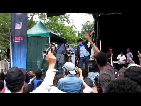 Ram peforming a melody in Central Park in New York City