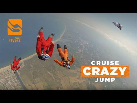 Cruise crazy jump - Team Skydive Dubaï training in Skydive Empuriabrava