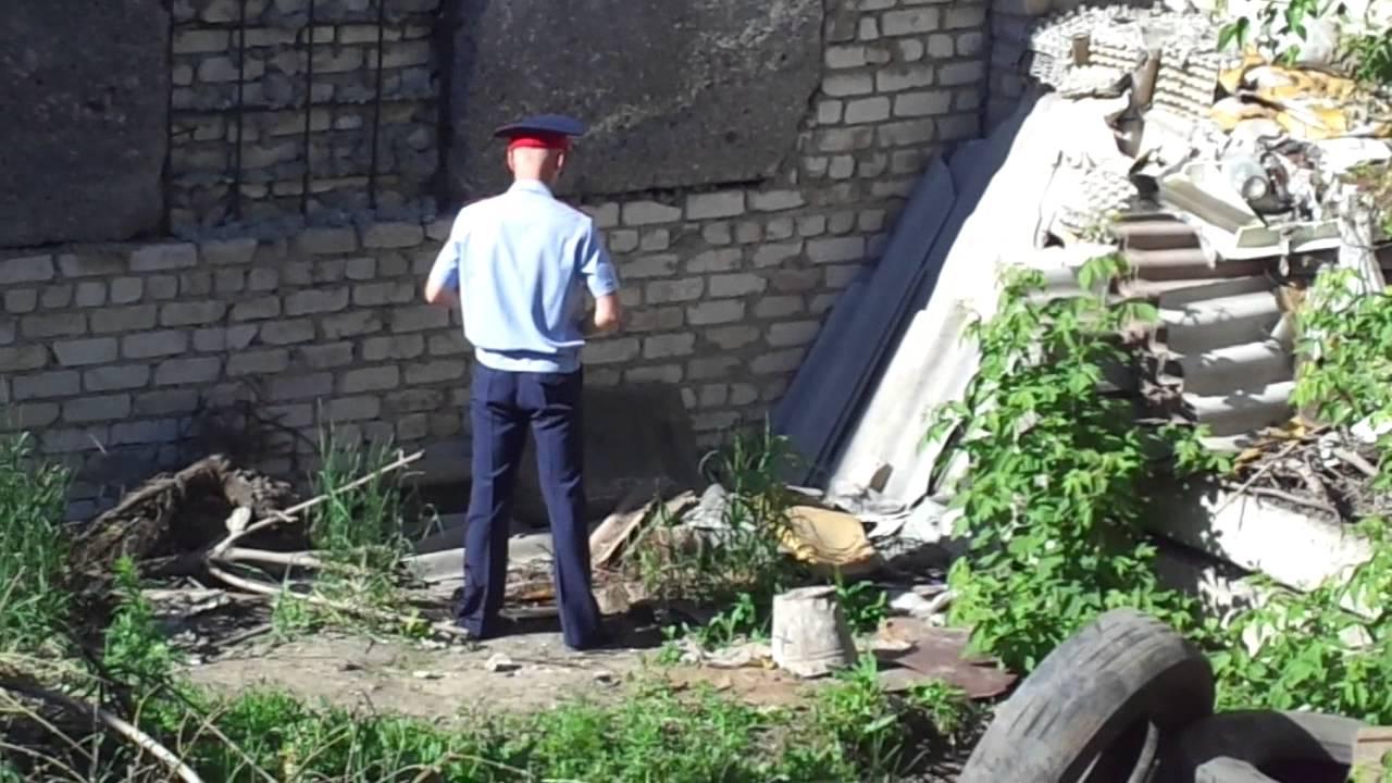 Мужик сцыт в лесу фото фото 557-257