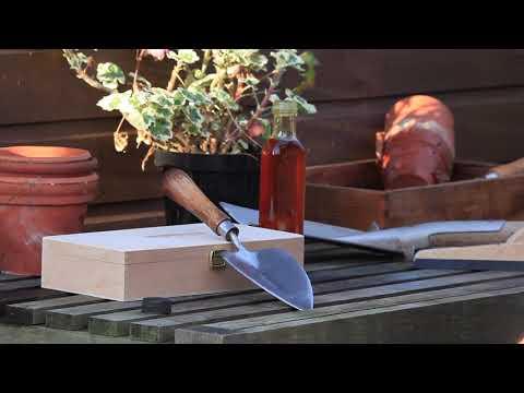 Maintenance Garden Tools- Oiling