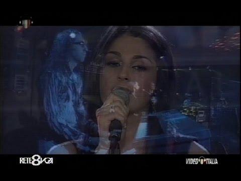 Live @ VideoItalia TV w/ ANNA TATANGELO playing Doppiamente Fragili