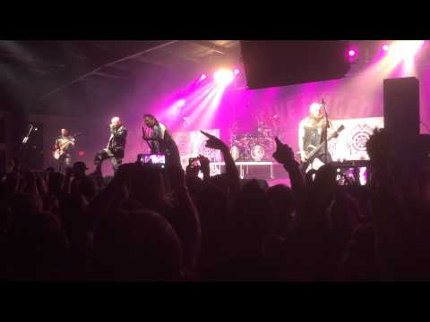 Five Finger Death Punch intro + Under And Over It (Live Chattanooga TN) mp3