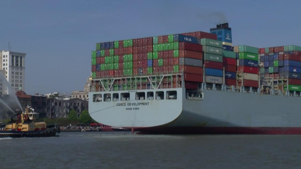 Giant Ship arrives in Savannah: Video by Chris Murray