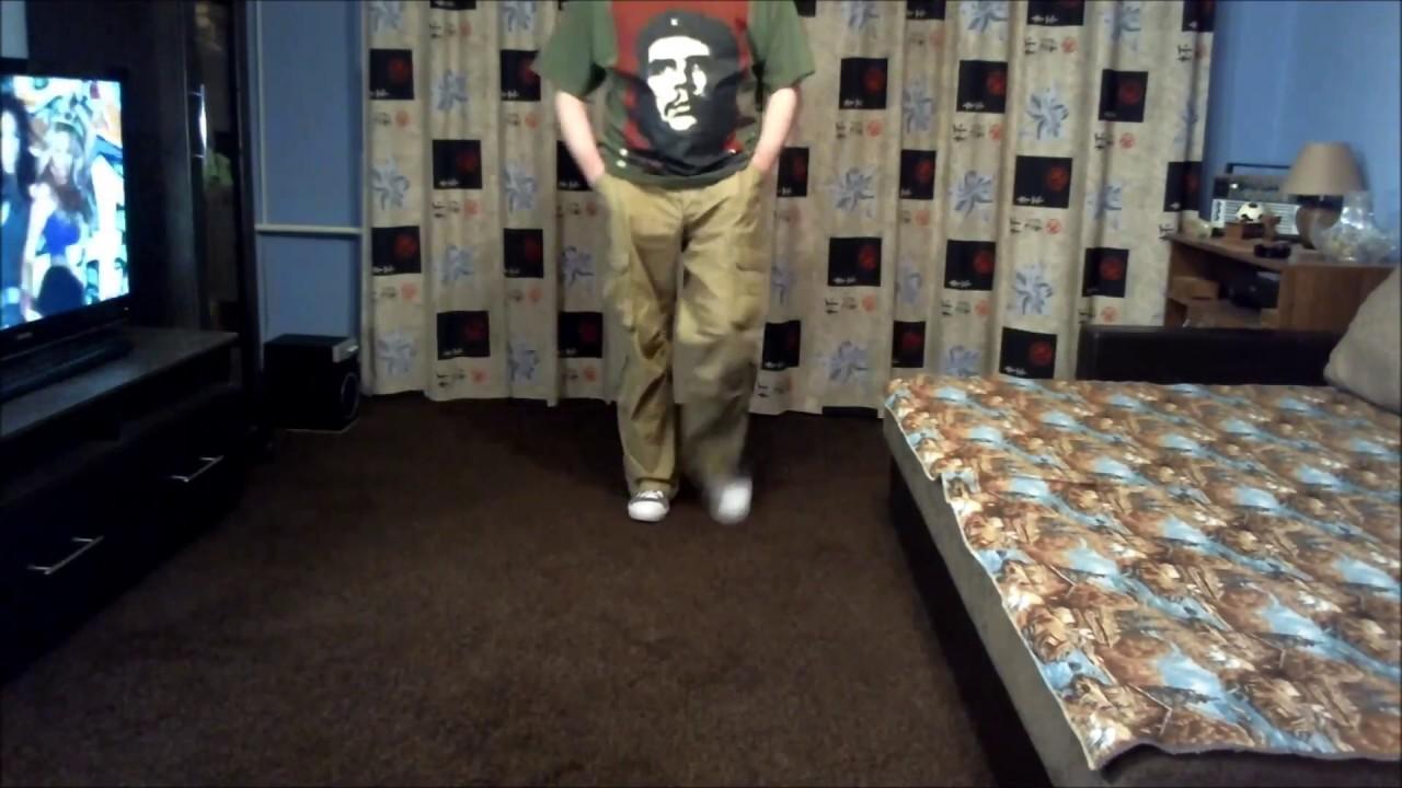 Мужские брюки широкие с накладными карманами по бокам свободного .