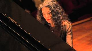 Katia and Marielle Labèque; 4 movements (Philip Glass)