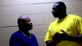Darrell Luster backstage interviewing Dwight McBride of DR Producti...
