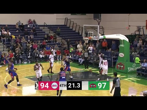 Derek Willis Posts 18 points & 10 rebounds vs. Maine Red Claws