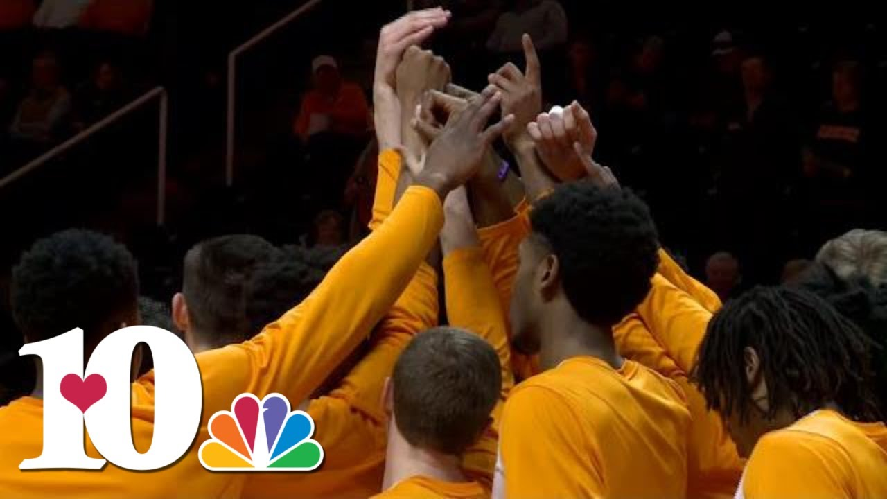 "Tennessee Vols basketball pregame dunk tradition ""One Fly ..."