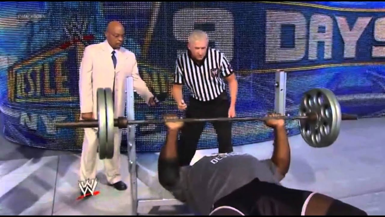 Mark Henry vs Ryback - Bench Press #1