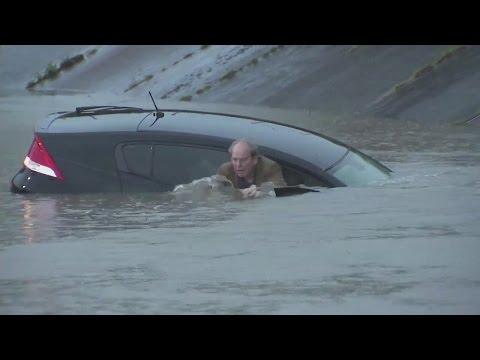 Houston flooding. Houston largely shut down amid rain, flooding