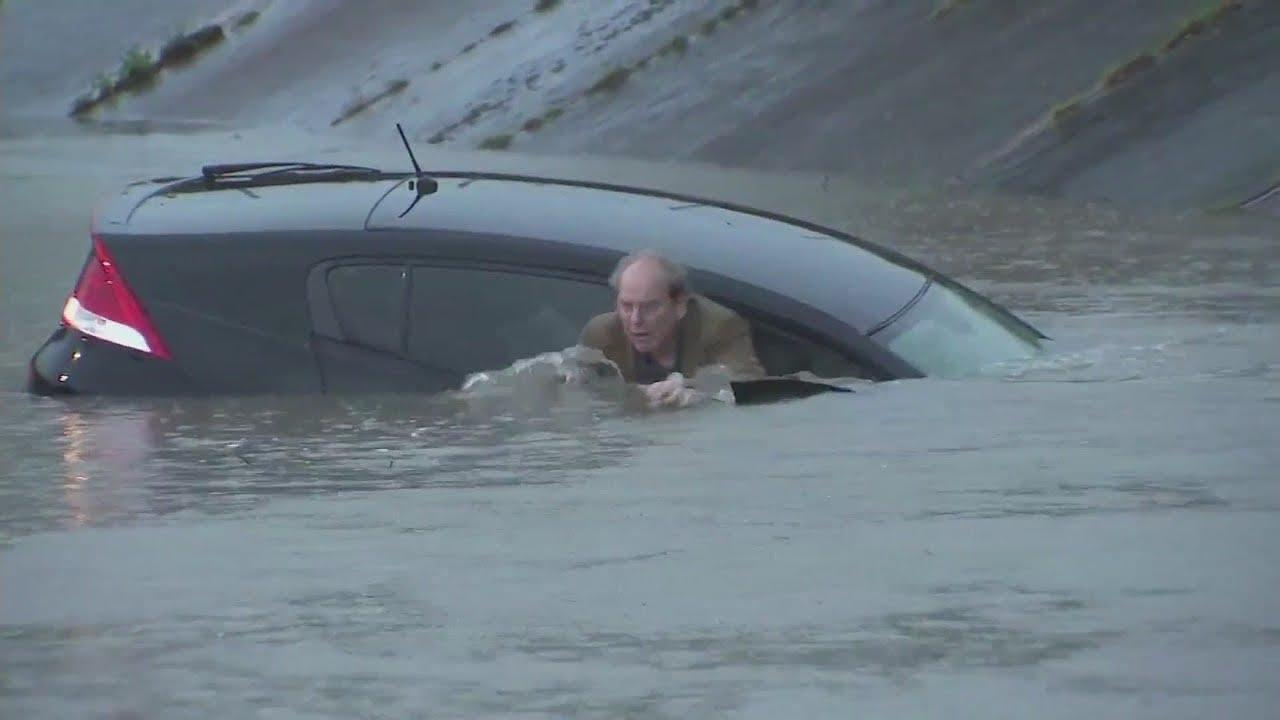 Houston flooding. 2016. Houston largely shut down amid rain, flooding ...