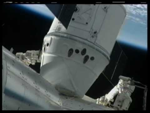 'Dragon by the Tail!': Video of SpaceX capsule docking with ISS