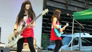 "Shonen Knife live ""BBQ, Devil House, Ramones Rockaway Beach, Twist ..."