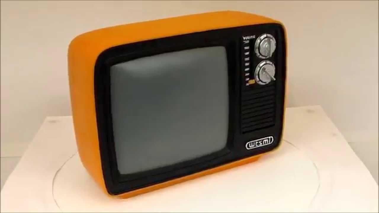 Retro TV Money Bank - Piggy Bank Collection - Where The Smart Money ...
