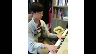 Video LAI GUAN LIN PLAYS PIANO (2) download MP3, 3GP, MP4, WEBM, AVI, FLV Oktober 2017