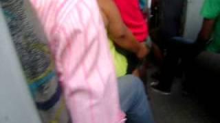 Flagra no ônibus - gordinha tarada