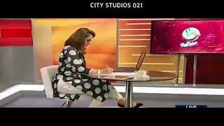 Gharida Farooqi HOT CLEAVAGE | CITY STUDIOS 021