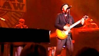 Gavin DeGraw - Chemical Party / Moves Like Jagger - Live @Oosterpoort Groningen