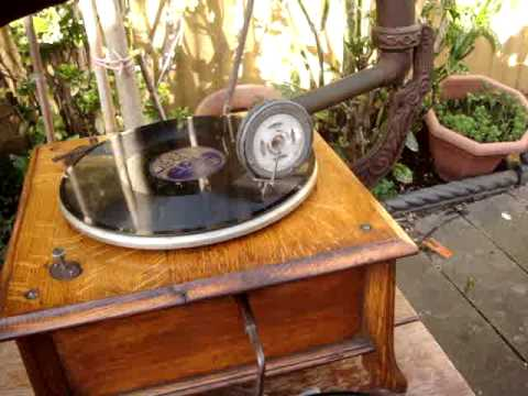 Antique Vintage Old Gramophone Phonograph With Horn
