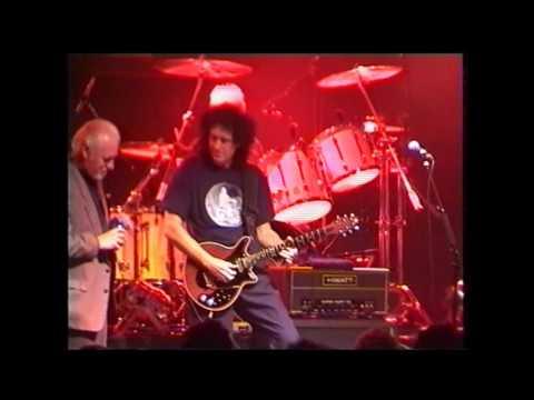 QUEEN & Procol Harum - A whiter shade of pale (live 2002)