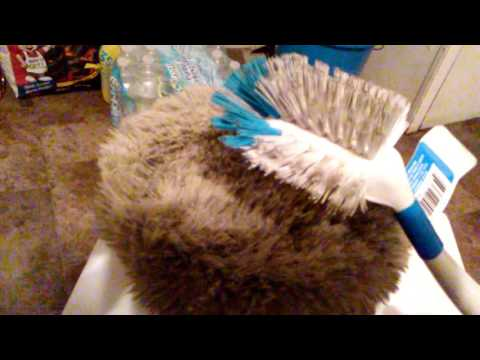 How to clean a wool polishing pad with a brush