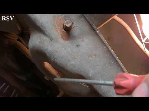 Что делать, если оборвана шпилька крепления амортизаторов на нижнем рычаге ВАЗ 2101-2107.