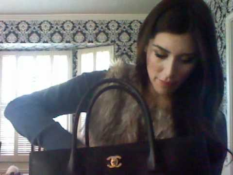 2e3356687e81 Whats in my New Chanel Handbag (requested) - YouTube