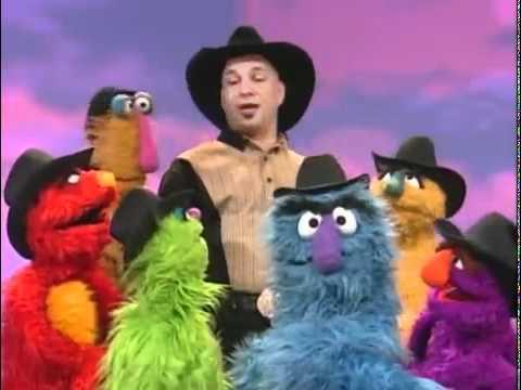 Garth Brooks and The Sesame Street Muppets-We Make Music.mp4