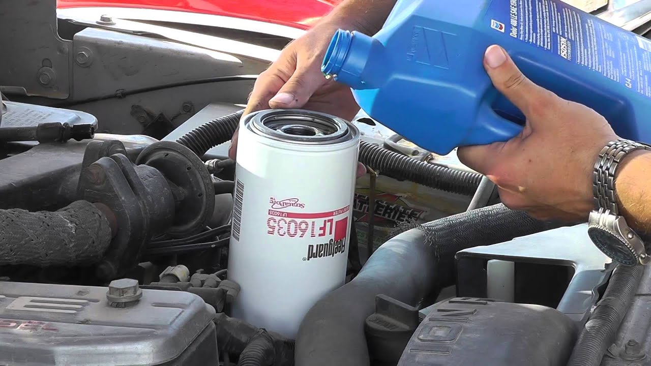 how many quarts of oil does a 2006 5.9 cummins take