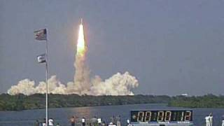 STS-105 launch (8-10-01)