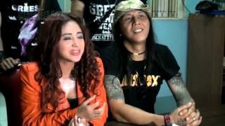 Dewi Perssik Ditantang Roy Jeconiah Bermusik Rock