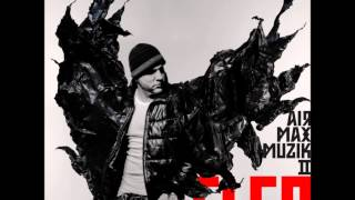 15. Fler - Echte Gangster tanzen nich (feat. Silla & MoTrip)