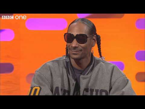"Snoop Dogg talks about ""Sweat"" - The Graham Norton Show - BBC One"