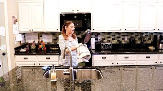 KITCHEN CLEANING MOTIVATION // SPEED CLEANING ROUTINE