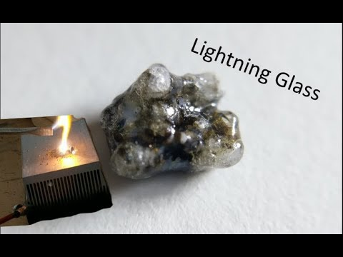 artificial lightning glass from sand youtube