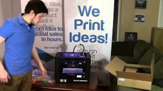 Makerbot Replicator 2 Unboxing, Setup and 3d Printing in 15 minutes