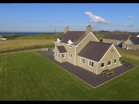 Llyn Peninsula Holiday Accommodation with Sea Views | Hendy Iago