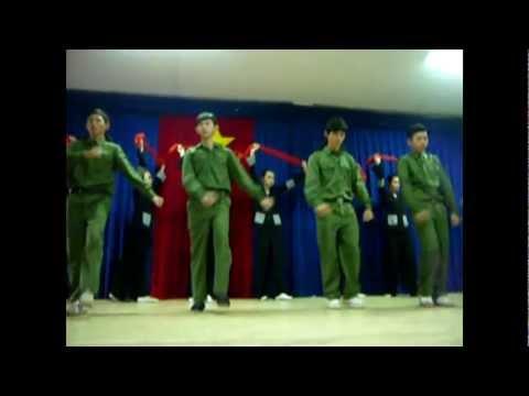 Văn nghệ 20/11/2011 THPT Hồ Thị Kỷ - Múa hoạt cảnh của 12C2
