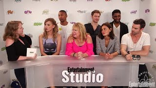 Video The Originals: Hayley has a 'friend with benefits' in season 5 Entertainment Weekly download MP3, 3GP, MP4, WEBM, AVI, FLV Januari 2018