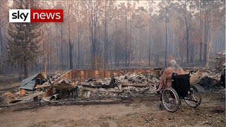 Australia bushfires: Families return to what's left of their homes