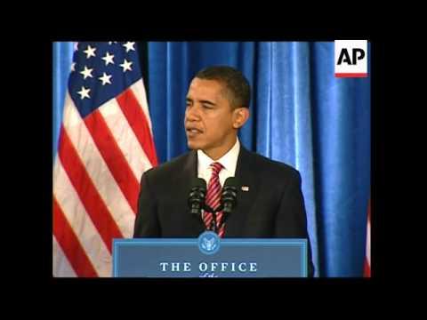 Obama picks Hillary Clinton as secretary of state, keeps Gates