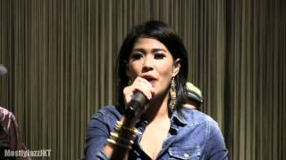 Maliq & D'essentials - Dia ~ Untitled ~ Heaven @ Mostly Jazz 22/02/13 [HD]