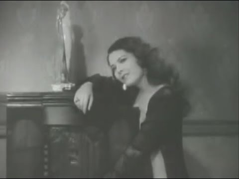 Santa (1931) - Lupita Tovar - Carlos Orellana - Mimí Derba