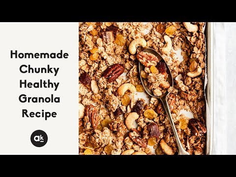 Homemade Chunky Healthy Granola Recipe (vegan & gluten free!)