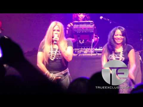 """Salt N Pepa Perform """"Talk About Sex"""" & """"Shoop"""" At NY Reunion Show"""
